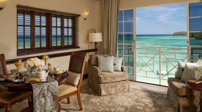 Great House Oceanfront Butler Suite - Sandals Royal Plantation