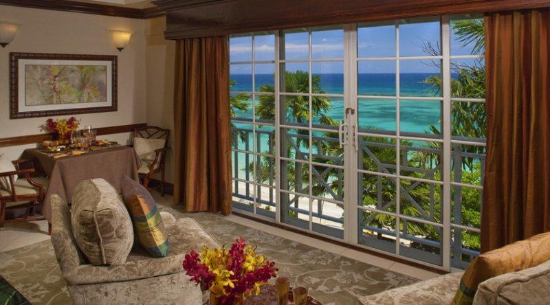 Peacock Oceanfront Butler Suite - Sandals Royal Plantation
