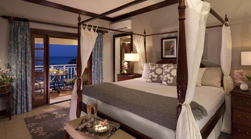 Royal Oceanfront One Bedroom Butler Suite - Sandals Royal Plantation