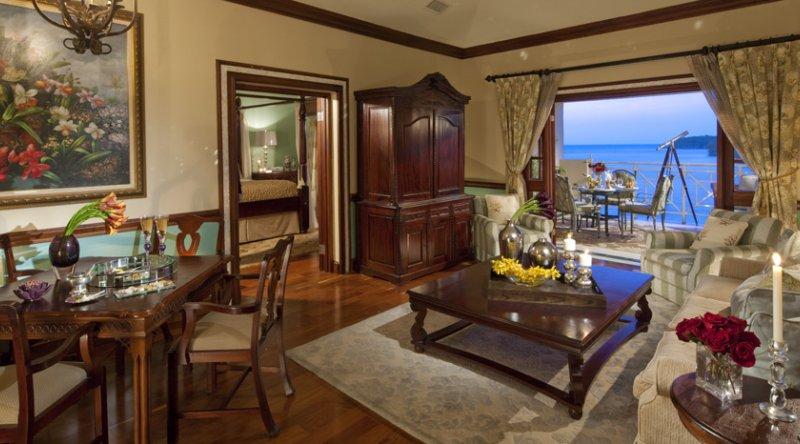 Prime Minister Oceanfront One Bedroom Butler Suite - Sandals Royal Plantation