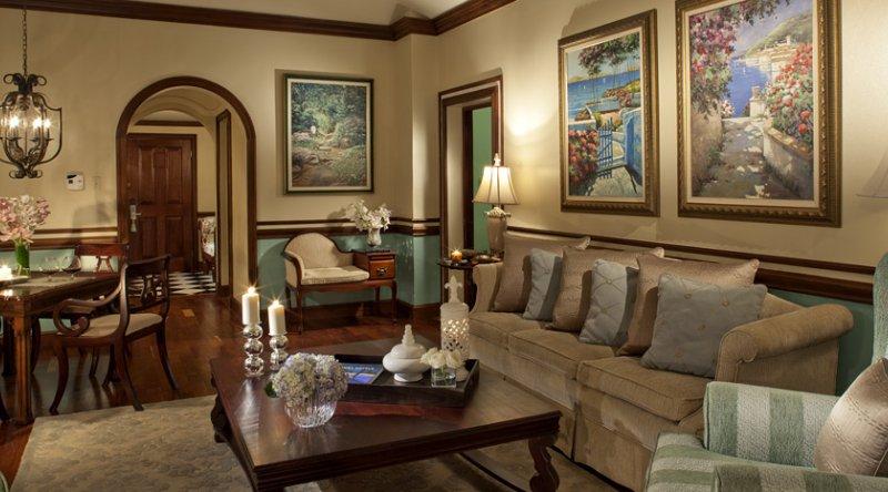 Governor General Oceanfront One Bedroom Butler Suite - Sandals Royal Plantation
