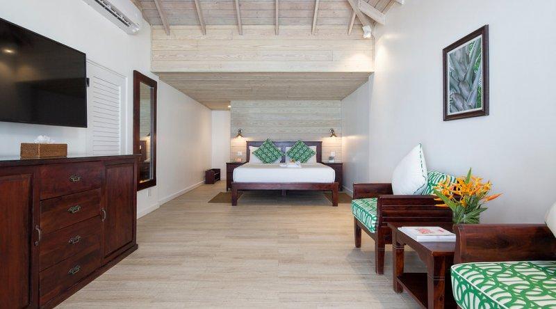 Deluxe Beachfront Galley Bay Resort & Spa
