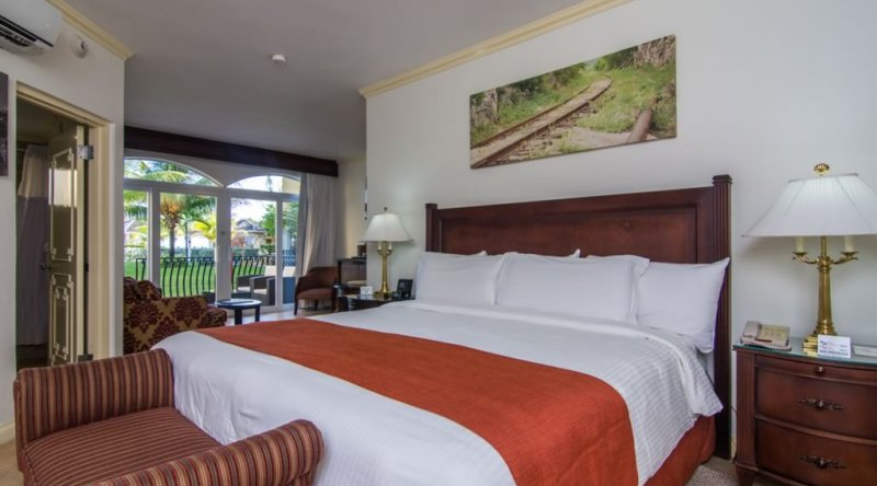 Junior Suite (with Butler Service) - Jewel Paradise Cove Resort & Spa