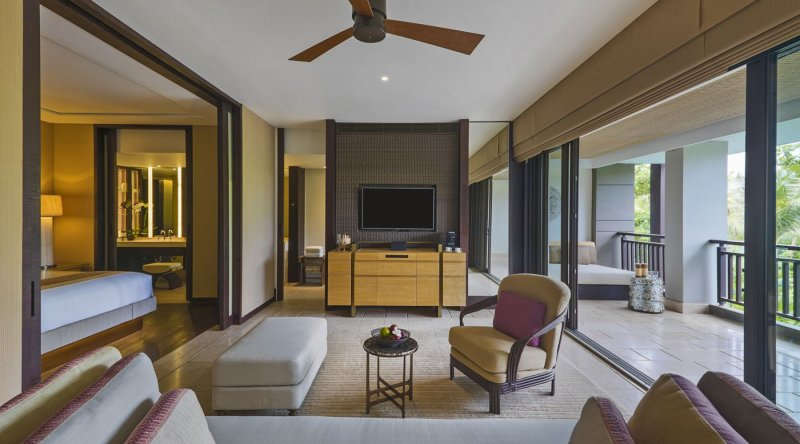 The Ritz-Carlton Suite  - Ritz Carlton