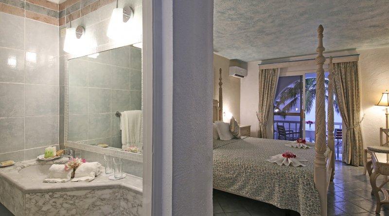 Ocean Front Suite - Ocean Point Resort & Spa